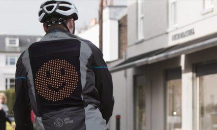 Ford : Une veste Emoji, pour aider les cyclistes et les automobilistes à mieux communiquer