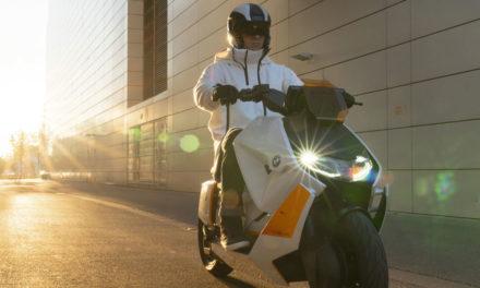 Definition CE04 : le scooter électrique du futur par BMW