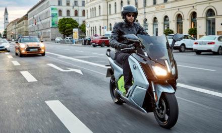 Motos et scooters électriques : Autorisés à circuler sur les voies de bus